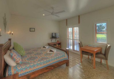 MONTANA Luxury Guest Room, Maleny