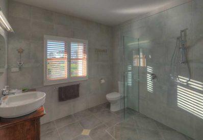 MONTANA Luxury Guest Room, Maleny